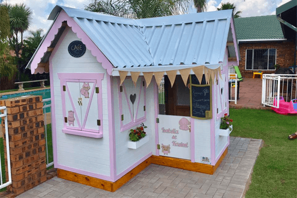 Playhouses, Treehouse, Jungle Gyms, Playparks and more...